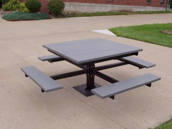4' Pedestal Picnic Table - Recycled Plastic